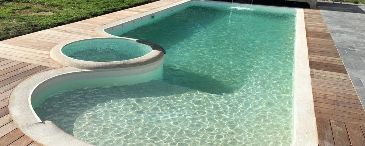 Pool-house-jardin-été-piscine-Wood-Conception